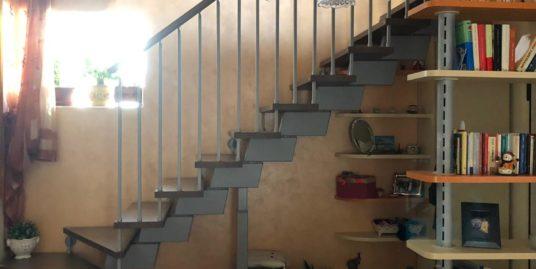 Appartamento su due livelli.