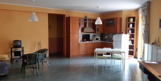 Appartamento traversa via Garibaldi.