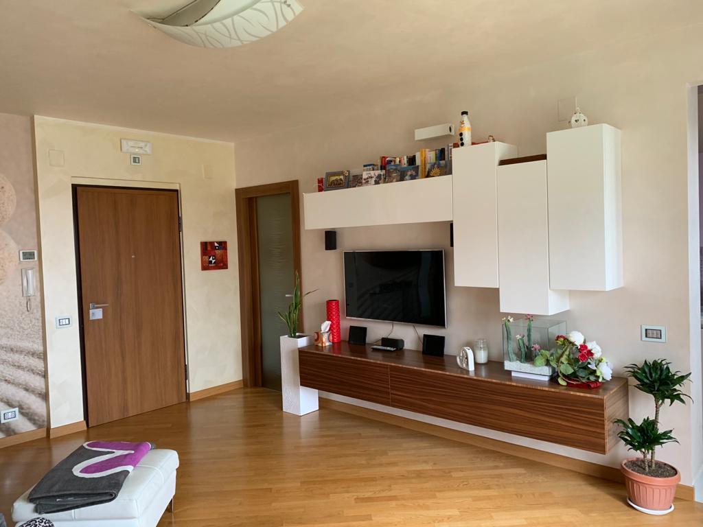 Appartamento via Campania.